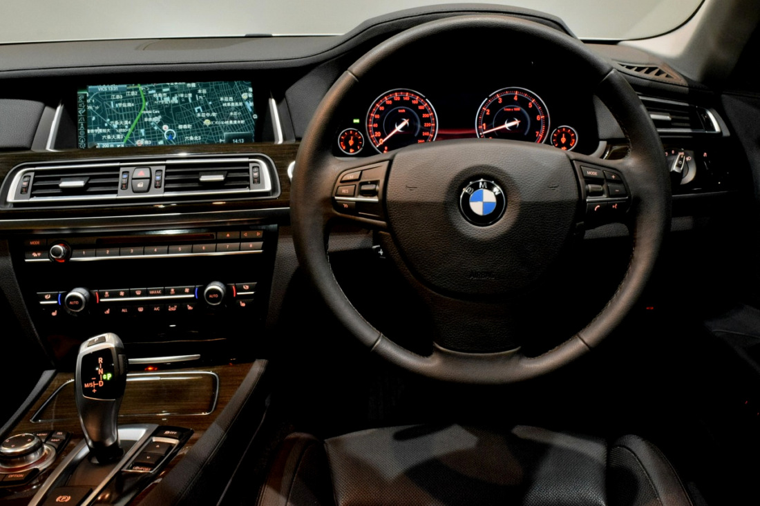 BMW 740i Sold outイメージ6