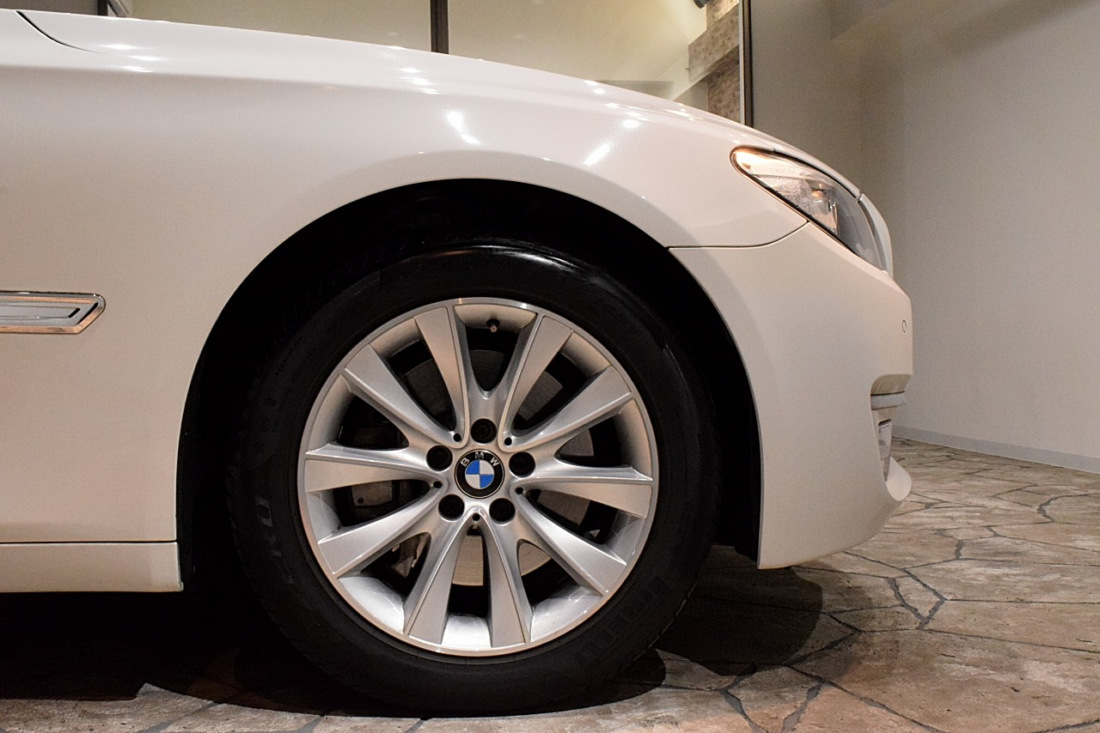 BMW 740i Sold outイメージ20