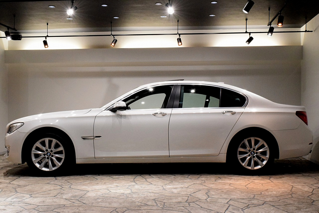 BMW 740i Sold outイメージ2